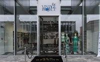 The Vintage Project, la moda incontra la ricerca medica nel charity shop a Scalo Milano