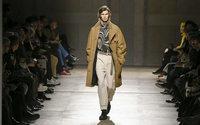 Cet été, la mode parisienne défilera en physique