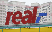Metro to sell Real hypermarkets to focus on wholesale