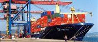 Real desvalorizado abre espaço para produtos brasileiros, diz ministro