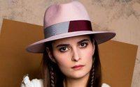 D'Estrée veut séduire à l'international avec ses chapeaux