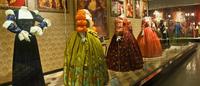 Milka Wolff expõe 4000 anos de história da indumentária feminina