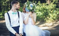 Bridesmaids in white, tiaras, tuxedos and jumpsuits are key wedding trends - report