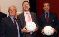 Mexikos Fussballer kicken weiter mit drei Streifen