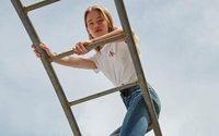 PVH confirme les pourparlers avec G-III pour la licence jeans femme de Calvin Klein