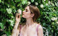 Британская актриса Лили Джеймс стала лицом новой кампании My Burberry Blush