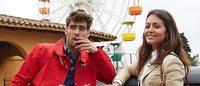 Jon Kortajarena e Hiba Abouk viajan por España en una campaña muy original
