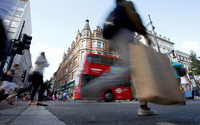 Drop in online shopping knocks UK retail sales in August