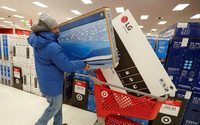 Investors caught in crossfire of fight for holiday shoppers