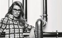 Chanel Eyewear : Luna Bijl prend la pose pour Karl Lagerfeld
