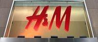 Tons de azul marcam a nova coleção da H&M