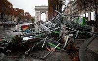Gilets jaunes : les accès aux Champs-Elysées contrôlés samedi, la circulation interdite