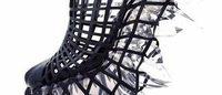 舘鼻則孝×イリス・ヴァン・ヘルペン 3Dクリスタルのヒールレスシューズをパリコレで発表