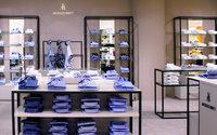 Jacques Britt überarbeitet Ladenbau und Online-Shop