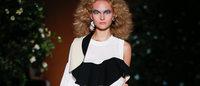 古田泰子「トーガ」ロンドンファッションウィークで初のショー