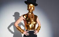 Schiaparelli ha aperto l'alta moda parigina con il surrealismo sgargiante di Daniel Roseberry