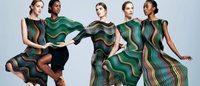 Issey Miyake investe na tecnologia têxtil para criar tecidos inovadores