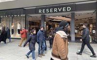 Les boutiques d'Angleterre et du Pays de Galles rouvrent leurs portes à des flots de clients