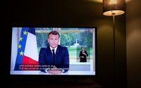 """Macron, louant sa gestion de la crise, accélère le déconfinement et trace un """"nouveau chemin"""""""