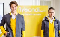 La diseñadora Cora Groppo crea los uniformes del personal de la aerolínea Flybondi