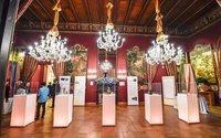 La Thailandia ha sfilato in onore della Regina Sirikit a Palazzo Brancaccio