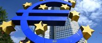 Euro zone sentiment edges to new four-year high in August