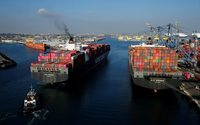 Shipping data signals weakness in global economy