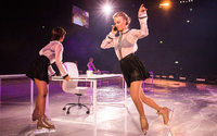 Intimissimi zeigt Fashion-Show mit Eiskunstlauf
