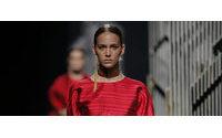 Alvarno desfila por primera vez en Latinoamérica en Lima Fashion Week