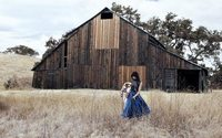 Для съемок новой рекламной кампании Calvin Klein выбрал сельскую местность