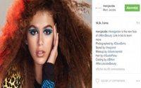 Marc Jacobs apresenta novos cliques da sua campanha com Kaia Gerber
