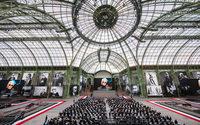 """L'ultimo saluto d'addio a Lagerfeld a Parigi con """"Karl For Ever"""""""