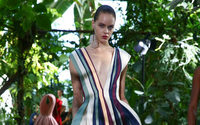 Fashion features tropics and layers at Paris show opening