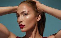 Jennifer Lopez dévoile le contenu de sa première collection beauté