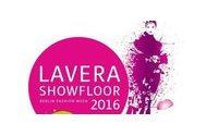 Lavera holt Roshi Porkar und Meshit auf den Showfloor