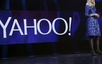 Yahoo reports lackluster results as sale looms