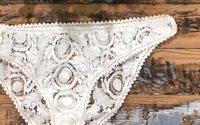 Laure de Sagazan transforme les chutes de ses robes de mariée en lingerie