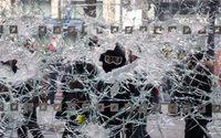 Champs-Elysées : 11 suspects mis en examen après le pillage d'une boutique Swarovski