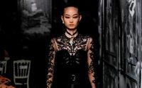 Christian Dior inspira-se nas cariátides para a sua Alta Costura