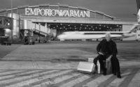 Giorgio Armani: próximo desfile Emporio será num hangar de aeroporto em Milão