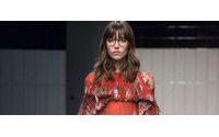 Alessandro Michele revela sua coleção inaugural feminina na Gucci