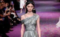 Christian Dior Couture racconta di un femminismo elegante e alla moda