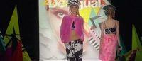 Desigual en cambio retrospectivo y un BCBG hippie abren la Semana de la Moda