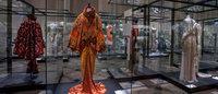 De l'obscurité à la lumière, le long réveil des robes haute couture du musée Galliera