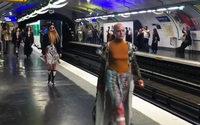 Dumitrascu défile dans le métro parisien