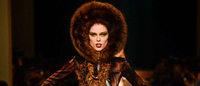 Haute couture à Paris : Jean Paul Gaultier nature, Valentino élisabéthain
