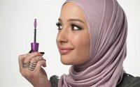 Usando hijab, Nura Afia é a nova representante da Covergirl