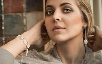 Ювелирный бренд LeDiLe презентовал коллаборацию с «Оренбургскими пуховыми платками»