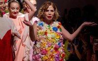 "Agatha Ruiz de la Prada: ""A moda é democrática e o desafio é a sustentabilidade"""