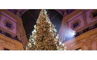 Swarovski illumina la Galleria di Milano con l'albero di Natale